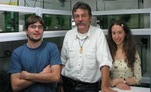 Simon Blanchet, Etienne Danchin  and Susana Varela in the fish lab